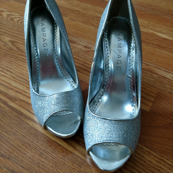 e25b1be0eb Shiny Silver Peep Toe Platform Pump